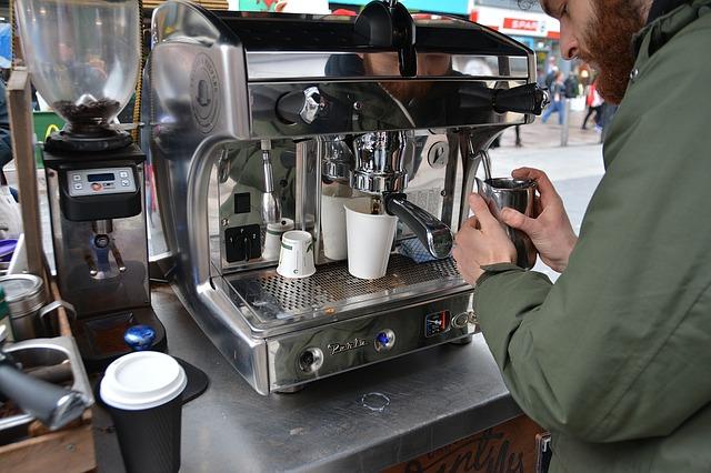 בית קפה כעסק קטן שהצליח להפחית בתשלומי הארנונה